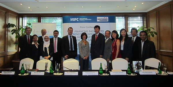Signed agreements with DEG, Mandiri and IFC in 2011